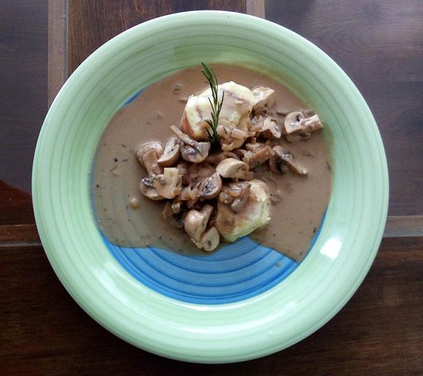 Guiso de champiñones con crema de cashew