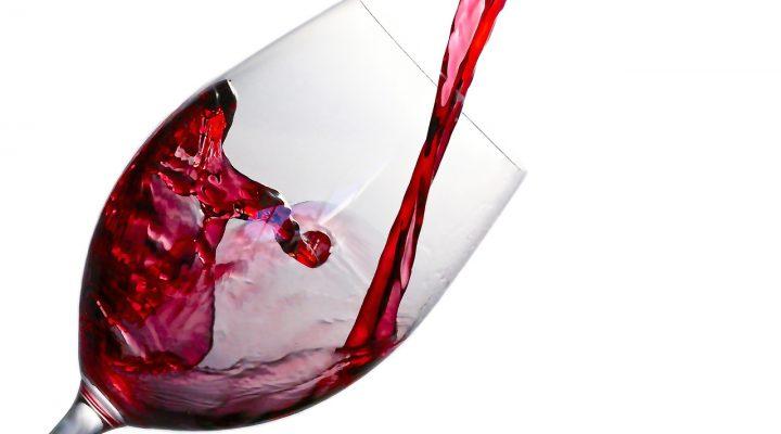 6 beneficios de beber vino tinto